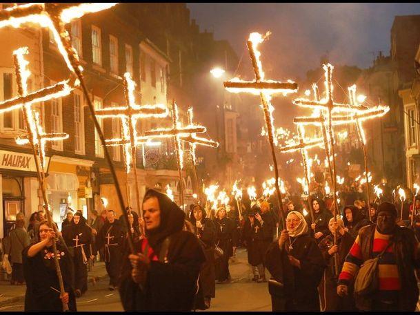 Еще одно колоритное события ноября в Лондоне - ежегодное празднование Ночи Гая Фокса