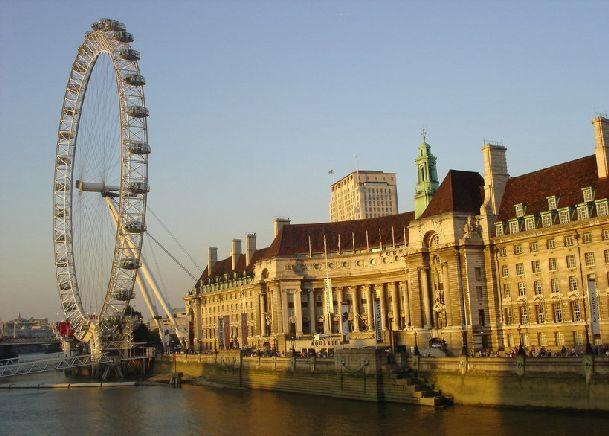С колеса обозрения Lonon-Eye открываются необыкновенные виды на Лондон