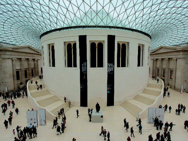 Много увлекательных часов можно провести в Британской музее