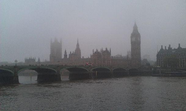 Туманы в Лондоне в октябре вопреки расхожим представлениям не так часты, но случаются