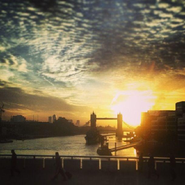 Говорят, что в Лондоне осенью очень красивые закаты - поезжайте и проверьте сами!